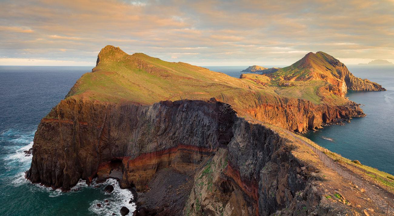 https://luisafonso.com/wp-content/uploads/2021/01/Madeira_Madeira-5562-1300_sRGB.jpg